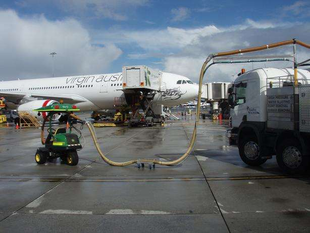 Perth Airport - Winter 2012   Traffic Systems West